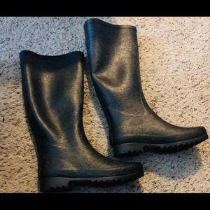 UGG Shoes - Ugg Boots. NWO BOX